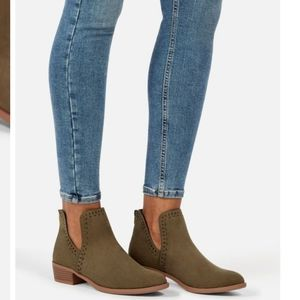 Olive Green V-Cut Ankle Zip-Up Booties